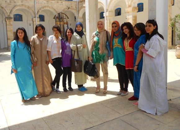 Что одевают в тунисе